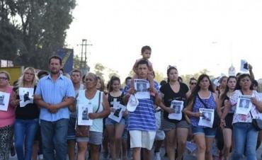 Familiares y vecinos marcharon por la aparición de Lucía Haach