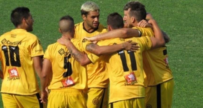 Flandria sigue dando pelea para quedarse en la B Nacional