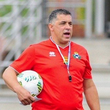 Oscar Mena es el nuevo entrenador del
