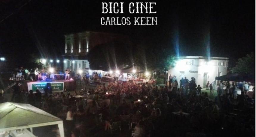 Regresa el Bici Cine a Carlos Keen