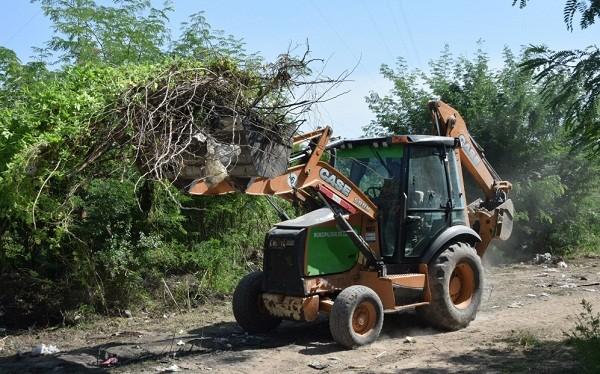 Continúa la limpieza en distintos barrios de Luján
