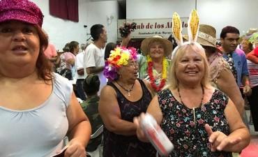 Exitoso baile de carnaval de la Tercera Edad