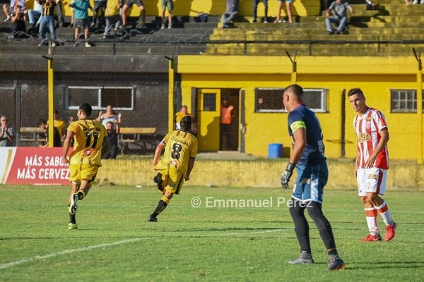 Flandria bajó a Barracas Central y regresó al Reducido