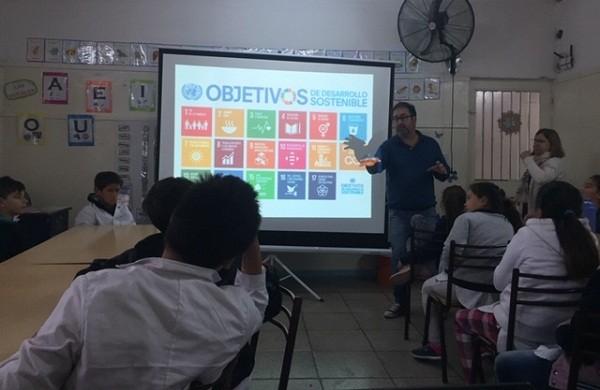 Charlas de Gestión Ambiental del Municipio en las aulas