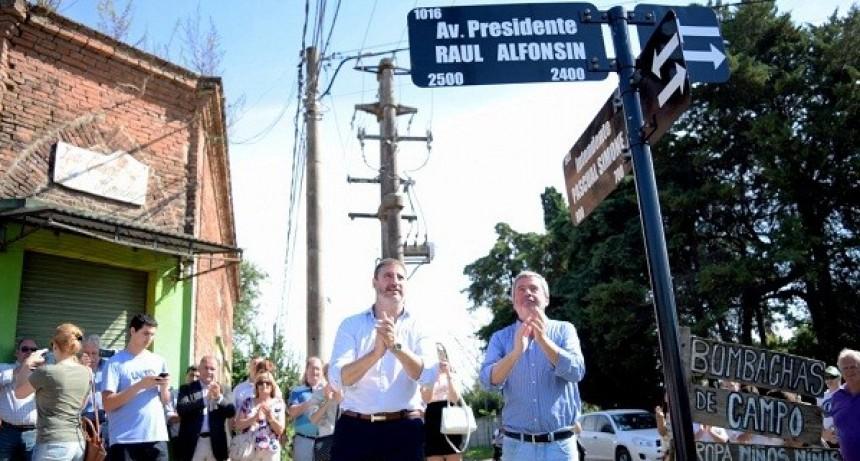 Raúl Alfonsín tiene su calle en Luján