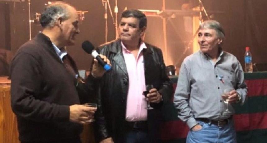 Juárez estuvo presente en el aniversario del Club Ferrocarril