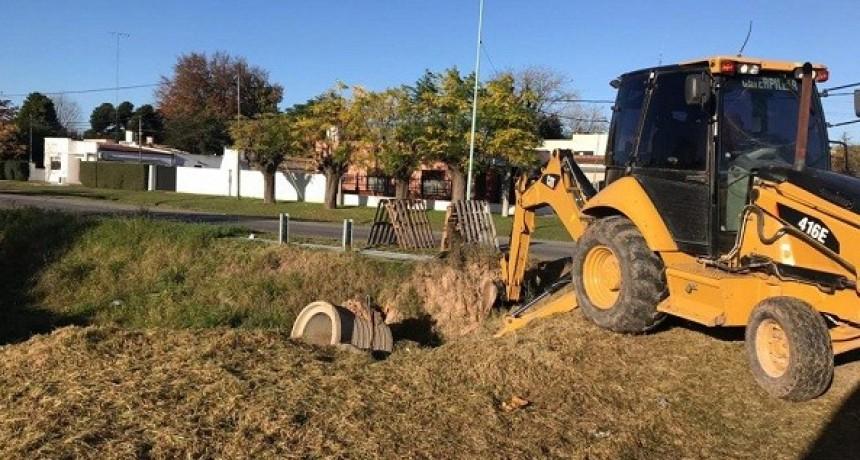 Reconstrucción de pavimento y pluviales en Pueblo Nuevo