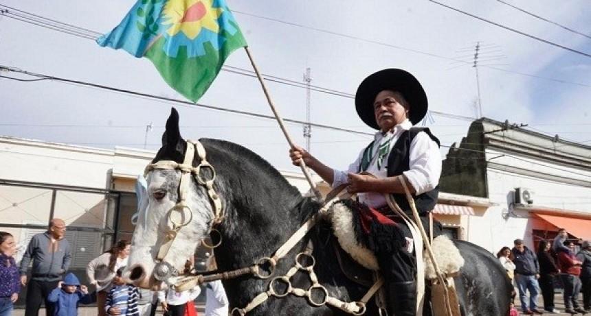 Torres celebró su 130º aniversario con acto y desfile