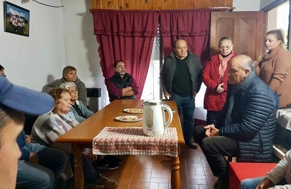 Juan Carlos Juárez se reunió con vecinos e instituciones