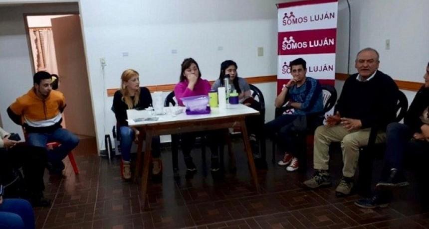 Juan Carlos Juárez se reunió con jóvenes lujanenses