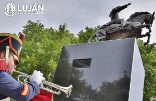 Colocarán un cofre del tiempo en el monumento a San Martín