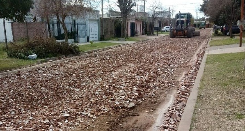 Arreglos de calles en distintos barrios de Luján