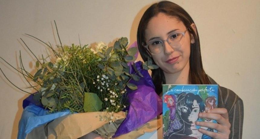 Antonella López Santana presentó