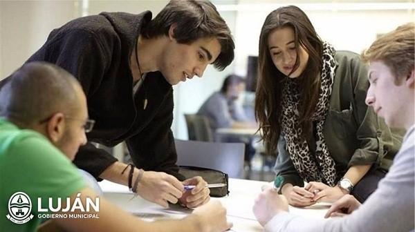 Colocaron oficina móvil para inscripción en los programas Empleo Joven
