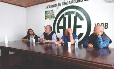Juárez se reunió con trabajadores y jubilados